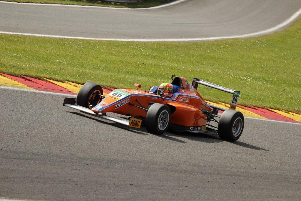 formula-4-autovettura